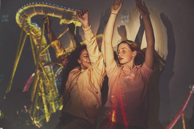 Awkward World – Rollercoaster